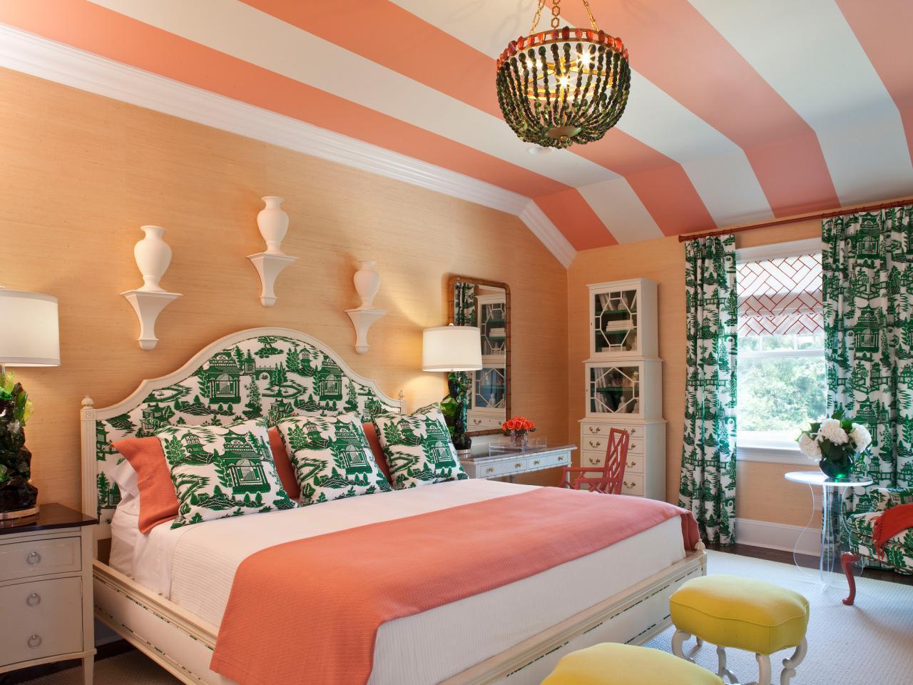bedroom with bright hues - Taskmasters, Dubai