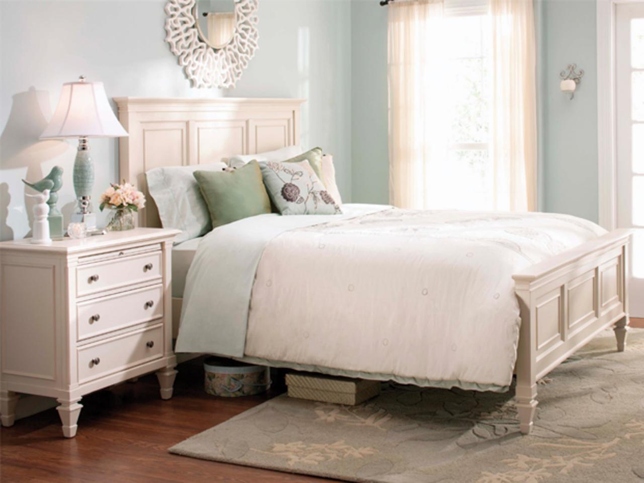 Airy bedroom - Taskmasters